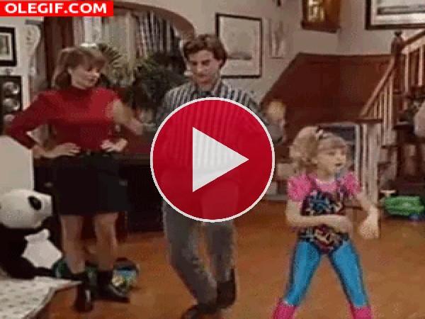 GIF: Bailemos en familia