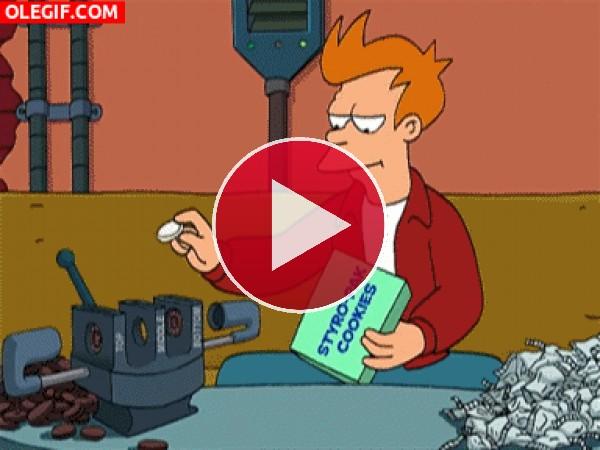 GIF: Fry utilizando una maquina para hacer Oreos