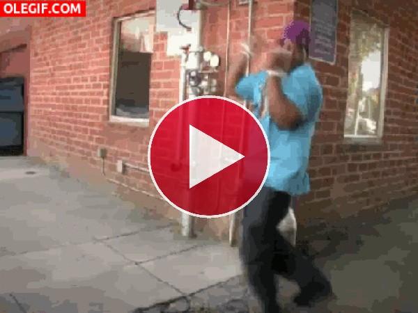 GIF: Bailando en la calle