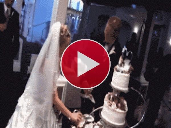 GIF: Los invitados se quedaron sin tarta