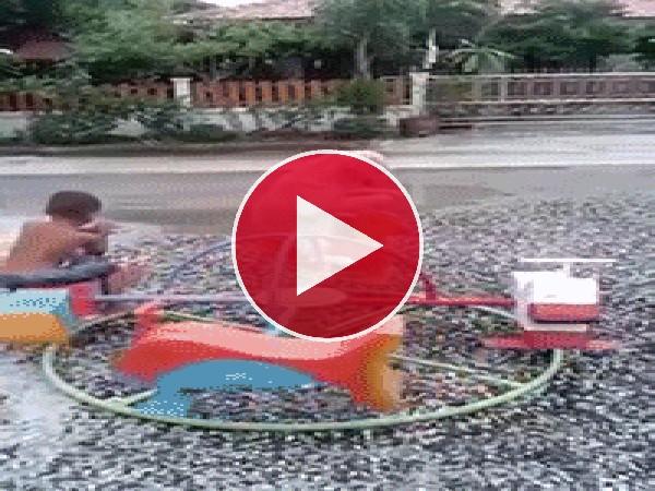 GIF: Tengo un amigo para jugar en el parque