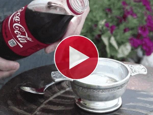 GIF: Coca-Cola congelada