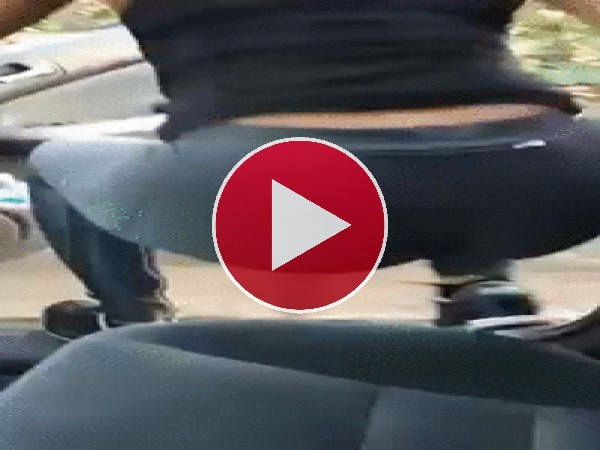 GIF: ¡Me caí del coche en marcha!