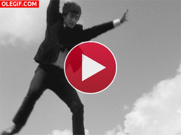 GIF: The Beatles cayendo del cielo