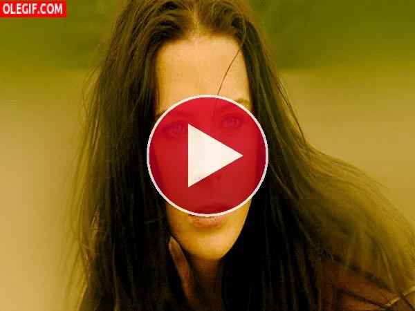 GIF: Los ojazos de Kahlan Amnell
