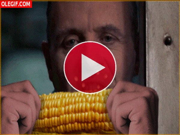 Hannibal Lecter comiendo maíz
