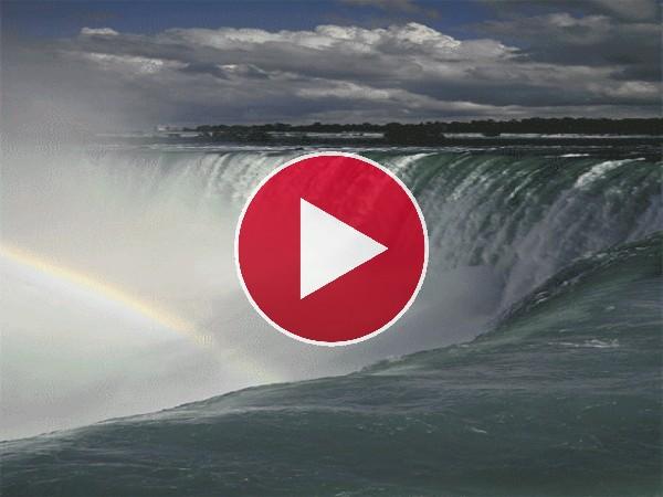 GIF: Arcoíris junto a las cataratas