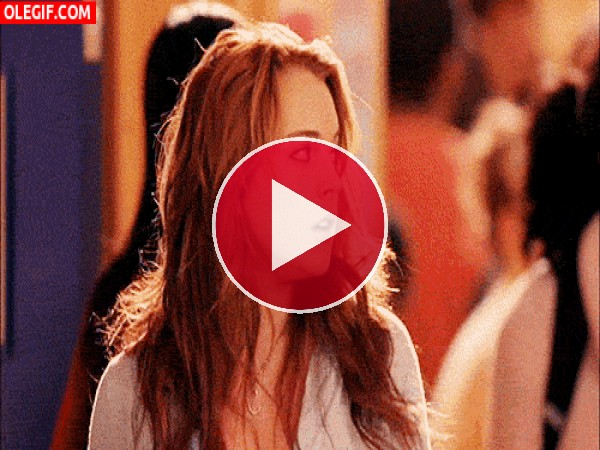 Lindsay Lohan cayendo al cubo de la basura