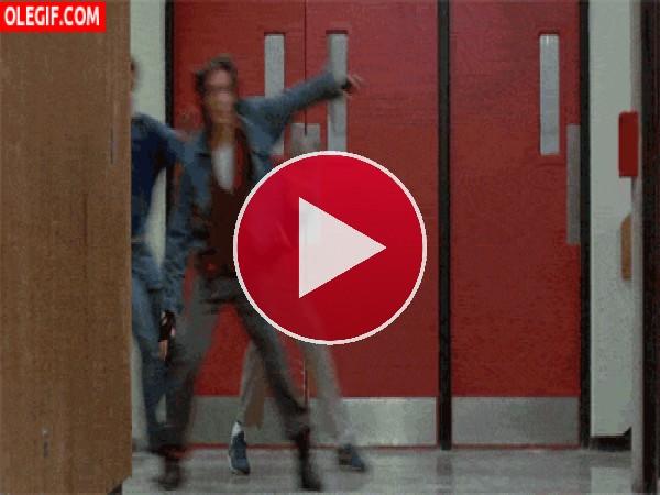 Corriendo por los pasillos