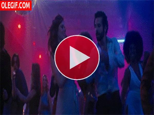 GIF: Bailando en la disco