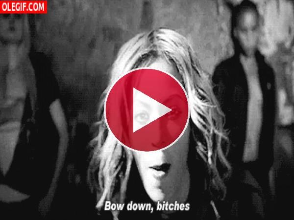 Beyoncé poniendo cara de loca