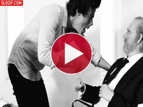 GIF: Harry Styles está cabreado