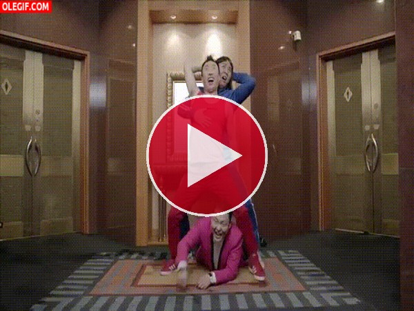 "GIF: PSY interpretando ""Gentleman"""