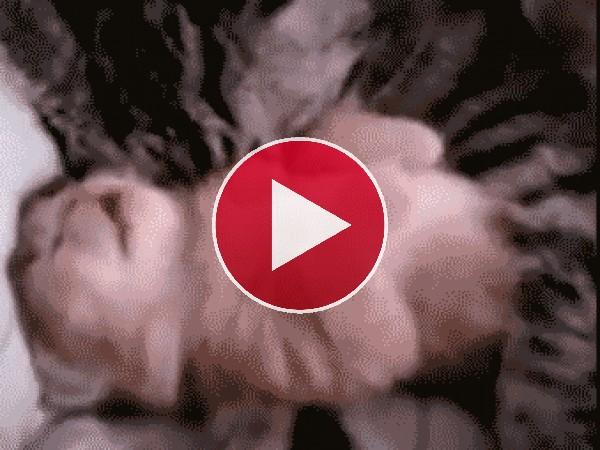 Este gatito tiene pesadillas