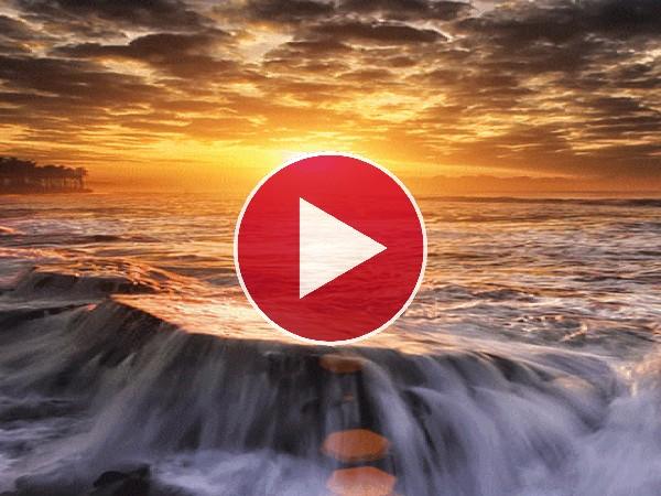 GIF: Agua fluyendo bajo el sol