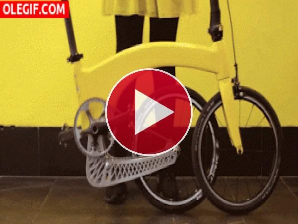 Plegando la bicicleta