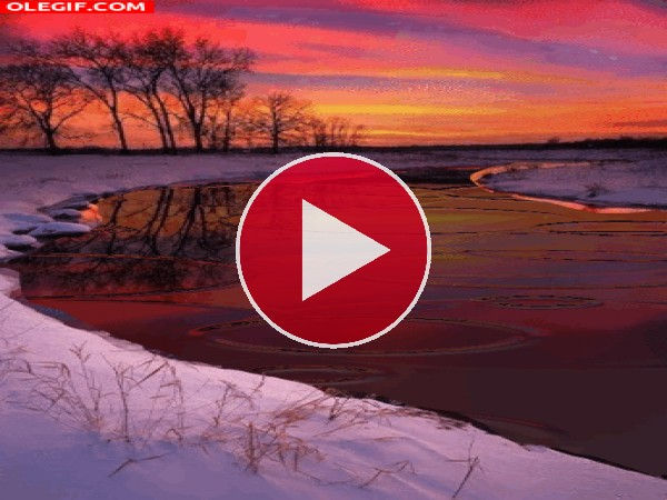 GIF: Ondas en el río