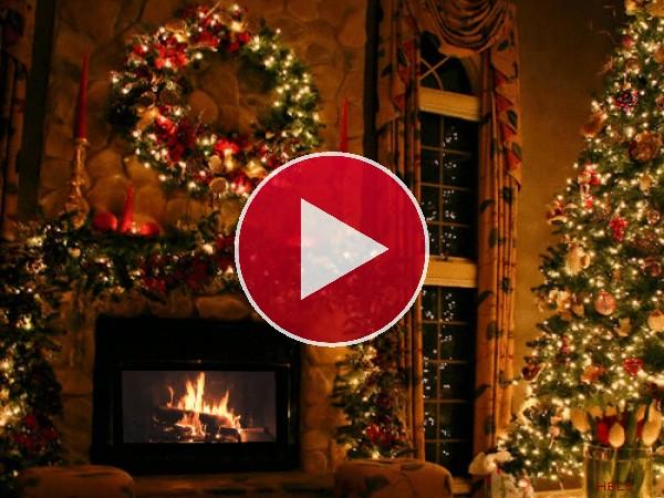 Chimenea encendida la noche de Navidad