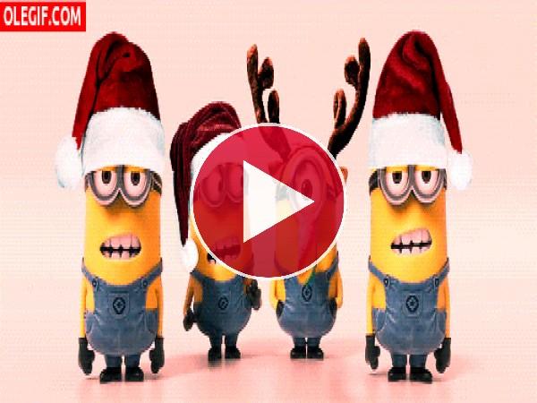 GIF: Estos minions se lo pasan genial en Navidad