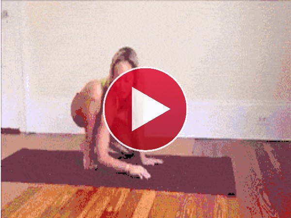 GIF: Practicando yoga