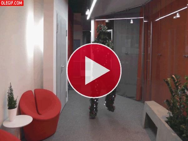 Árbol de Navidad bailando el Gangnam Style