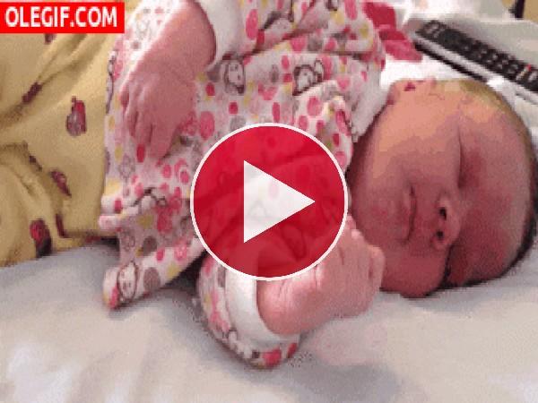 GIF: El sueño de un bebé