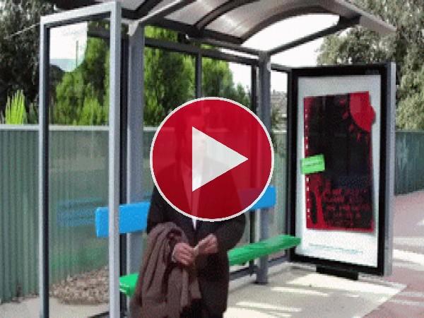 GIF: Esperando el bus