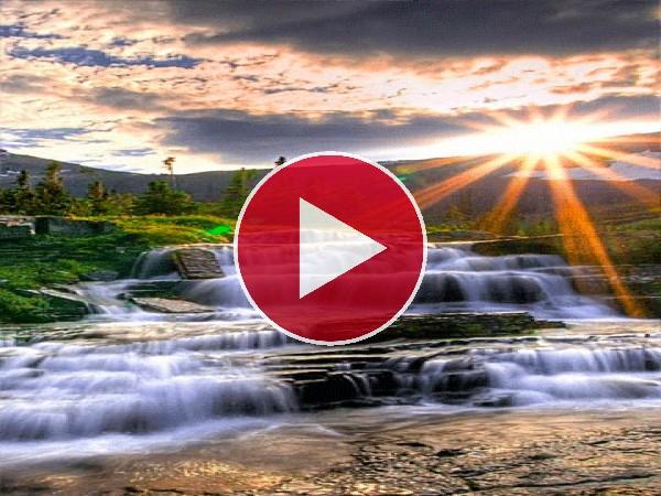 Radiante sol sobre las cascadas