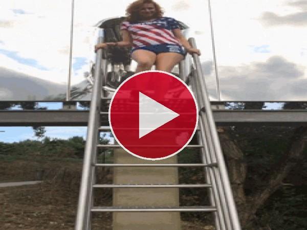 GIF: Un traspiés en la escalera
