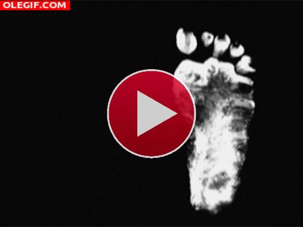 GIF: Caminando descalzo