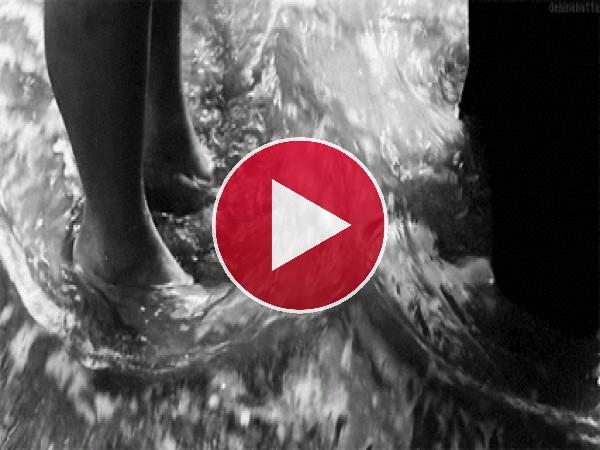 GIF: Mojándonos los pies en el mar