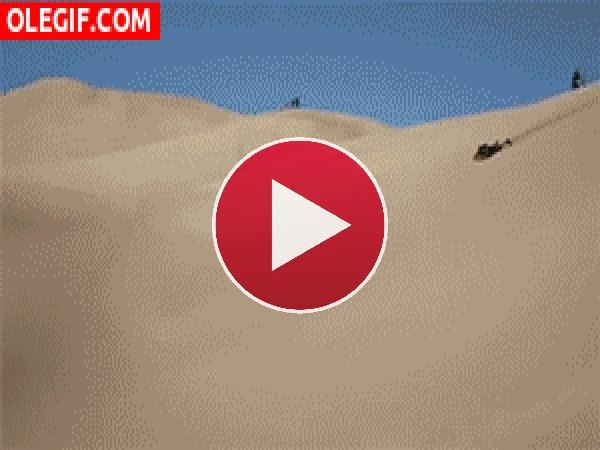 GIF: Surfeando en las dunas