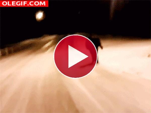 GIF: Resbalando en el hielo