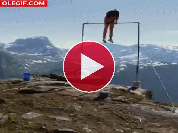 GIF: Peligro en la montaña