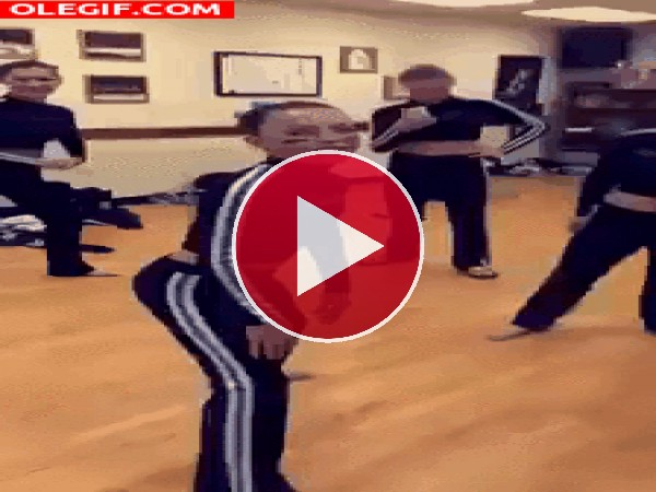 GIF: ¡Menuda flexibilidad!