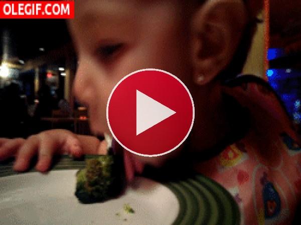 GIF: No puedo comer el brócoli