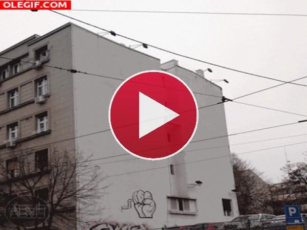 GIF: Juntando y separando el edificio