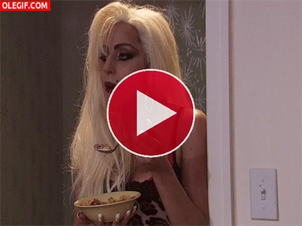 Lady Gaga desayunando