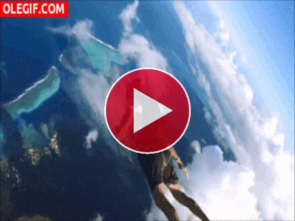 GIF: Las vistas del paracaidista