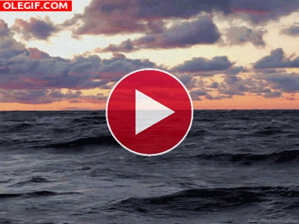 GIF: Oleaje al amanecer