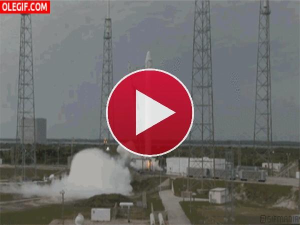 GIF: Lanzamiento del cohete