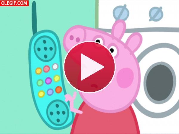 Peppa Pig llamando por teléfono