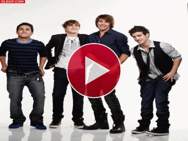 GIF: Los chicos de Big Time Rush nos enseñan los calzones