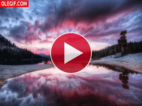 GIF: Nubes moviéndose al amanecer