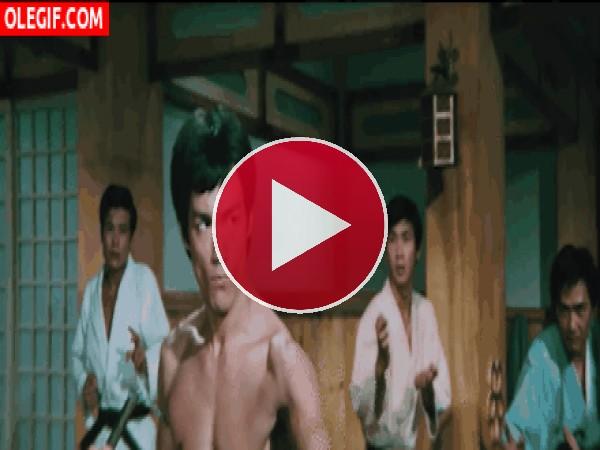 GIF: La mirada de Bruce Lee