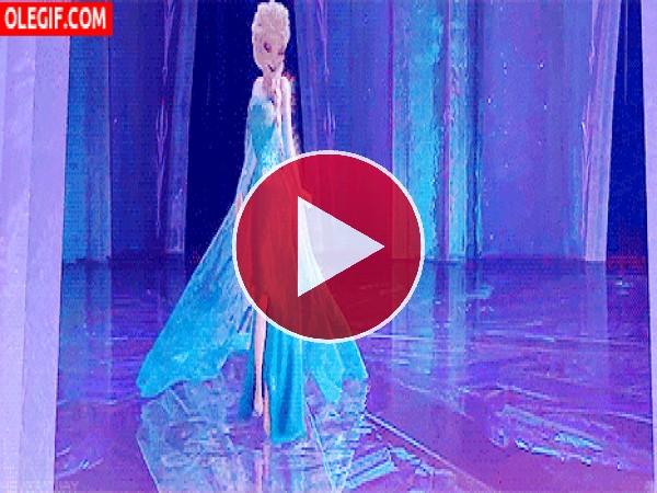 GIF: Elsa bailando en el palacio
