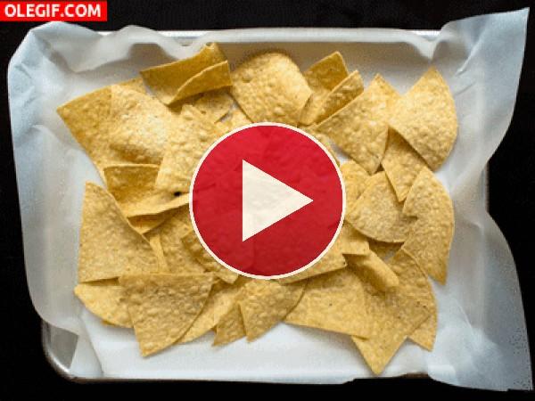 GIF: Nachos con queso