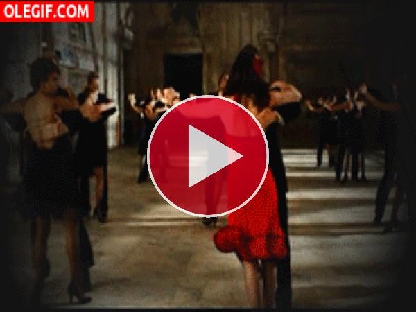 GIF: Bailemos un tango