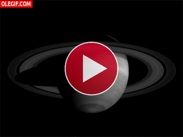 GIF: Saturno en movimiento
