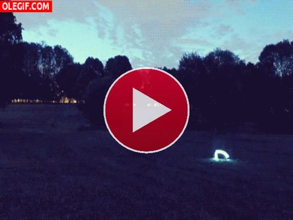 GIF: Monstruo en el parque
